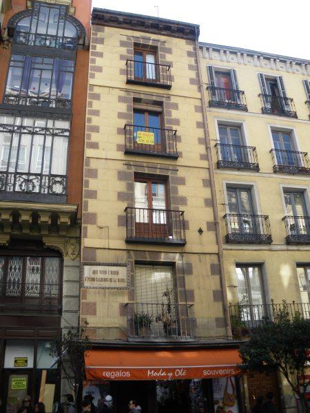 Una de las casas m s estrechas de madrid ediciones la for Casas estrechas