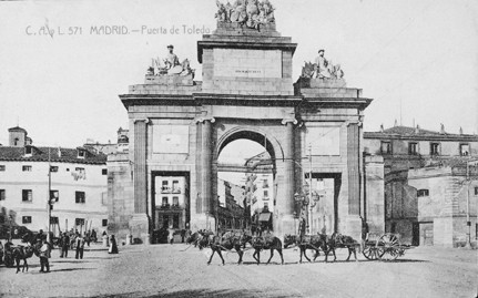 Lámina n? 33 [ Puerta de Toledo. Anos 20 ]