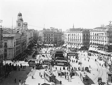 Lámina n? 54 [ Puerta del Sol. Finales anos 20 ]