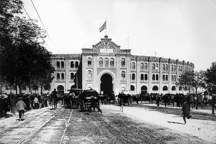 Lámina n? 60 [ Antigua Plaza de Toros. Hacia 1900 ]