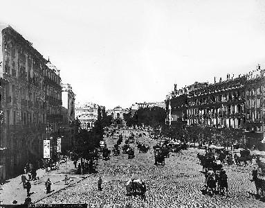Madrid, principios del siglo XX. Vista de la calle de Alcalá.