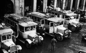 autobuses de linea en la plaza mayor (1932)