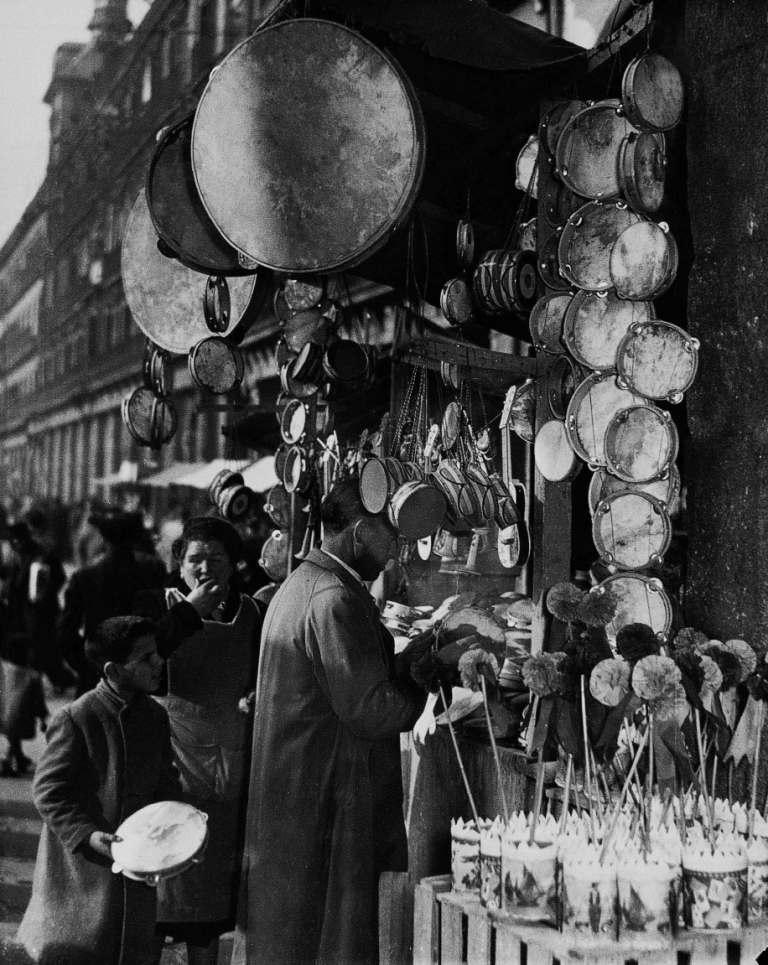 La foto de la semana: Navidad en la Plaza Mayor (1953)