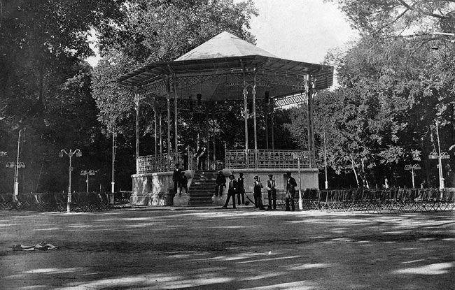 Kiosco del Retiro. 1910. Madrid
