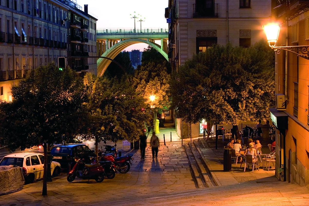 La foto de la semana: Anochecer junto al viaducto