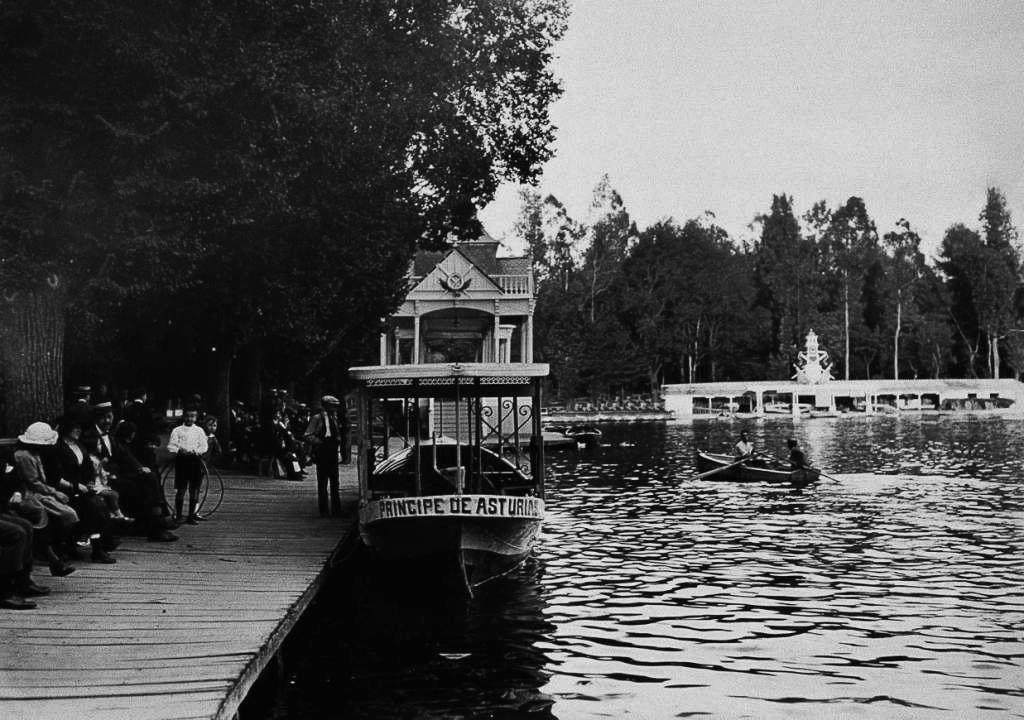 La foto de la semana: Estanque del Retiro (1930)