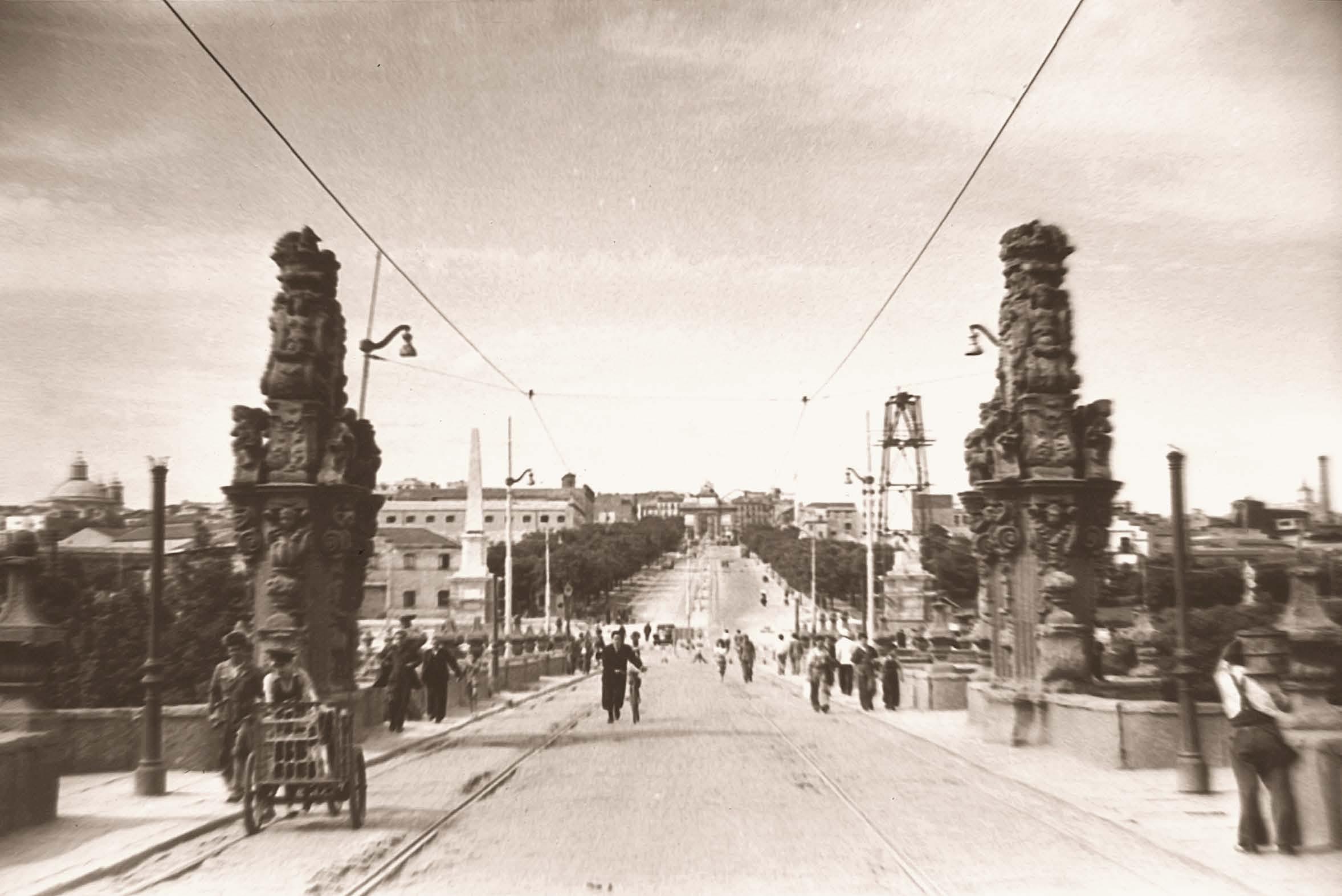 Puente de Toledo, en 1952. Madrid