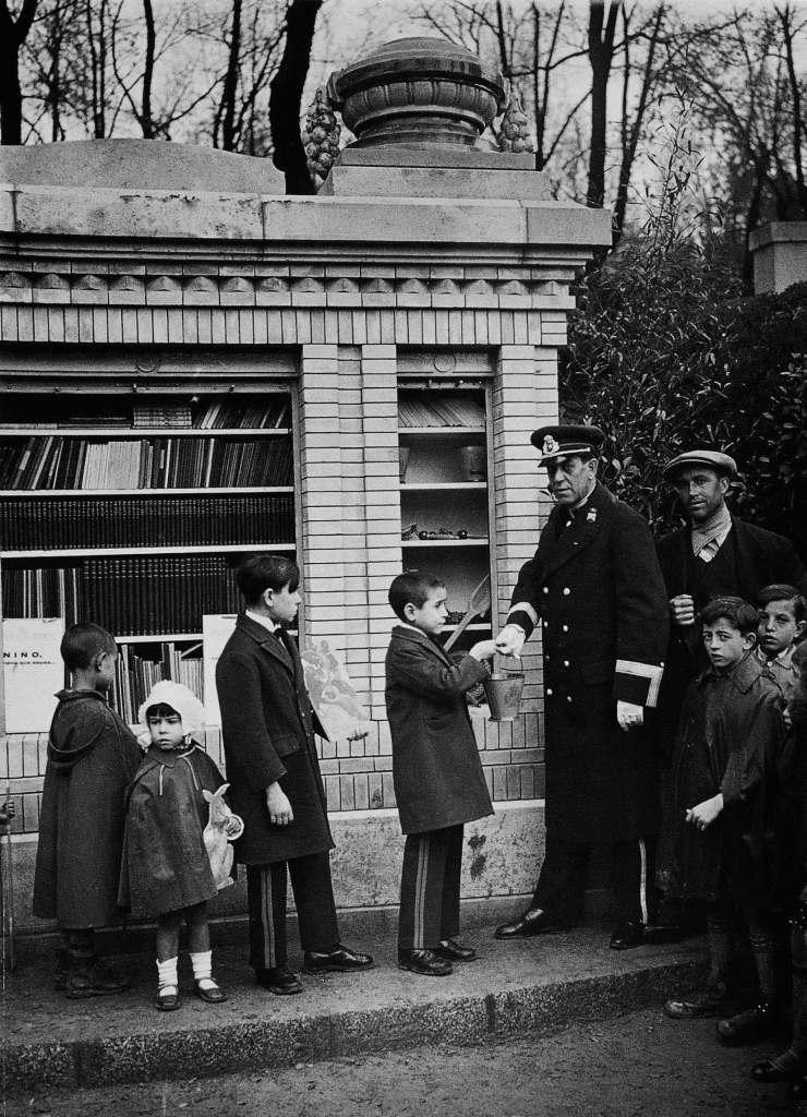 La foto de la semana: Biblioteca infantil municipal del Retiro, años 30 del S. XX