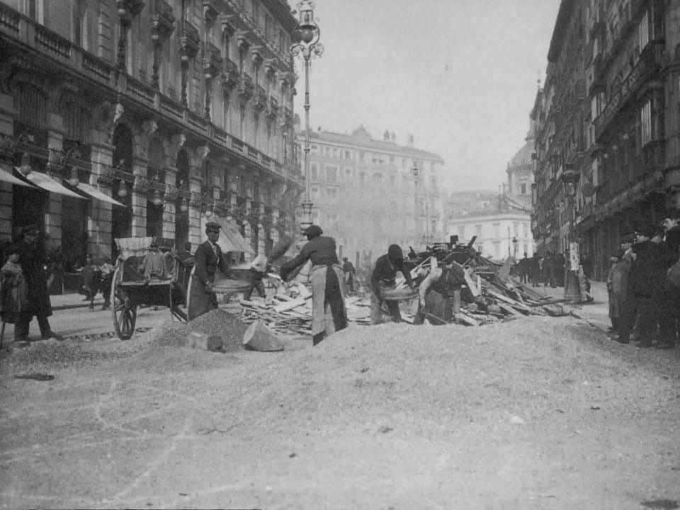 Pavimentando la Calle Sevilla 1900