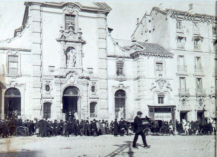La foto de la semana: Salida de misa de la iglesia de San José (1900)