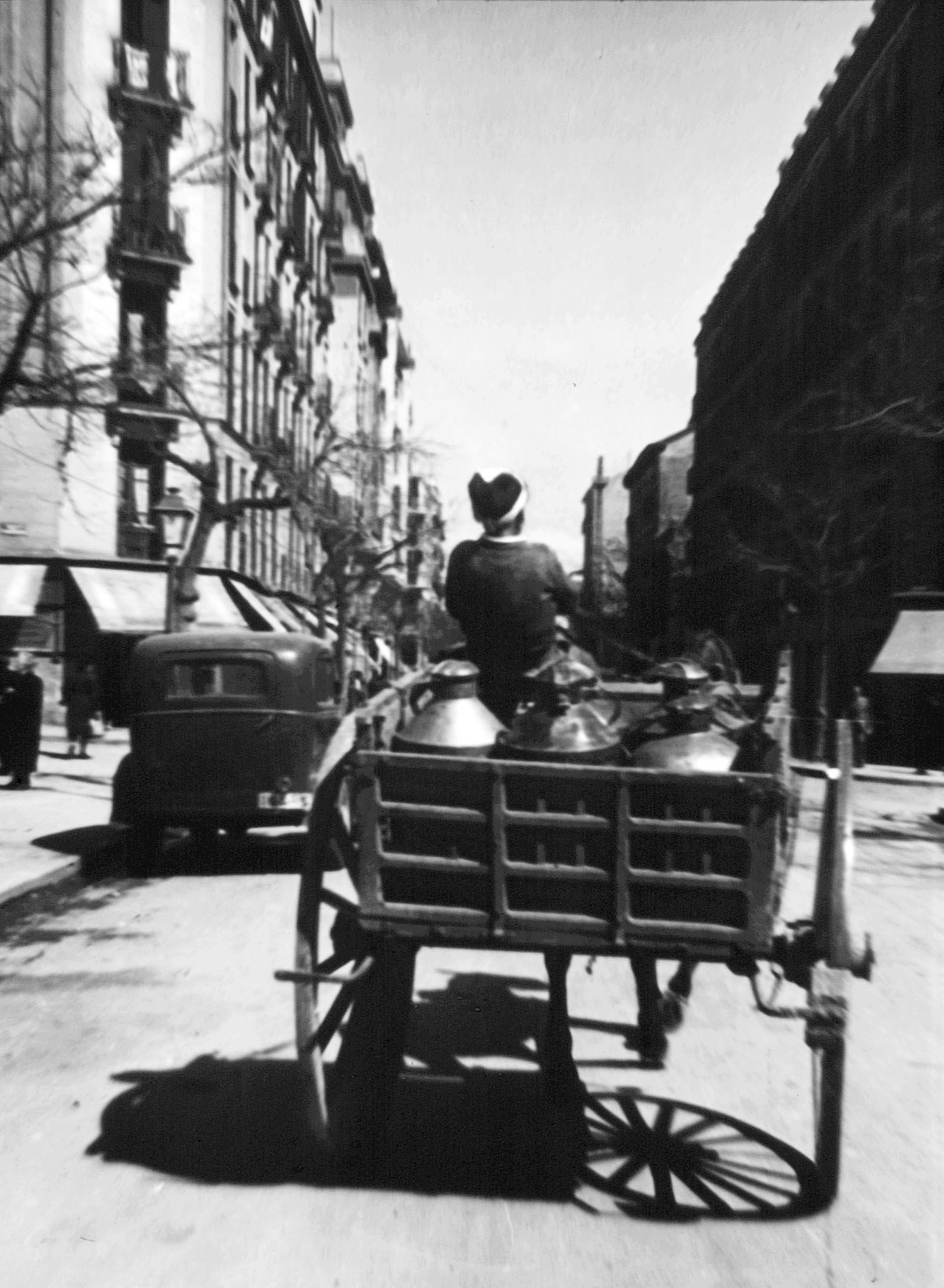 La foto de la semana: Carro repartidor de leche. 1951